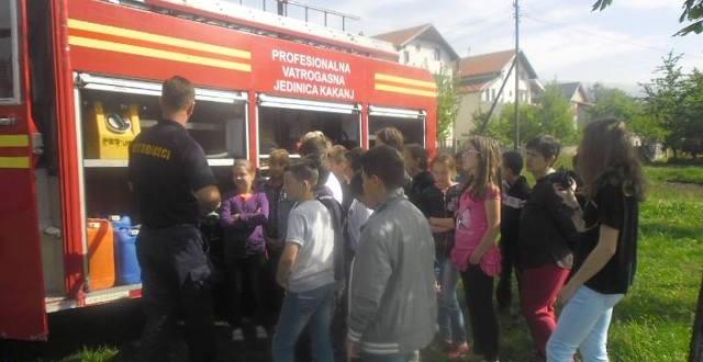 Kakanjski vatrogasci i djeca iz Kaknja – prava raja i veliki prijatelji