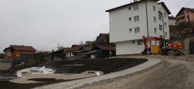 Kakanj / Stambeno zbrinjavanje Roma: Završena izgradnja pete zgrade u naselju Varda (Radiosarajevo.ba)