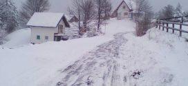 """Nekoliko važnih pojašnjenja u vezi zimskog održavanja puteva: Potpuno su normalna pojava situacije kada treba upotrijebiti lance, svi u akciju """"Lopate u ruke"""""""