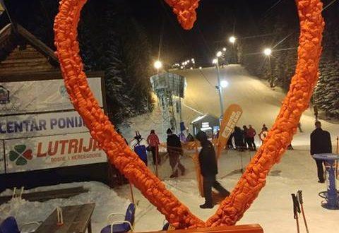 Vijesti sa Ponijera: Danas dnevno i noćno skijanje, DJ Zyxel, klupa za fotkanje…