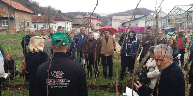 """Općina Kakanj organizirala dvije edukacije u Podvincima na imanju firme """"Frutti Funghi"""""""