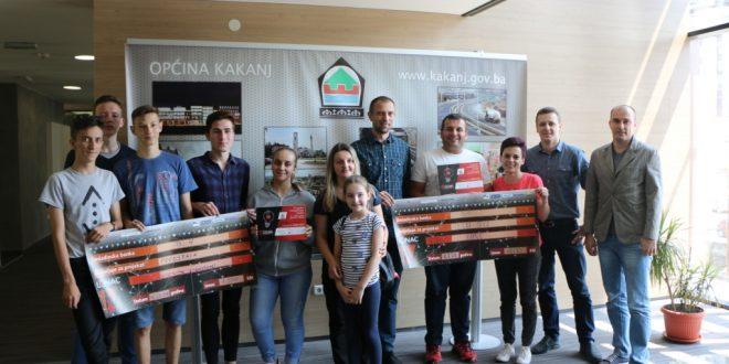 Potpisan ugovor između Fondacije Mozaik i dvije neformalne grupe mladih iz Kaknja