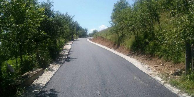 Počeli radovi na asfaltiranju dionica lokalne ceste od Grebena do Kučića