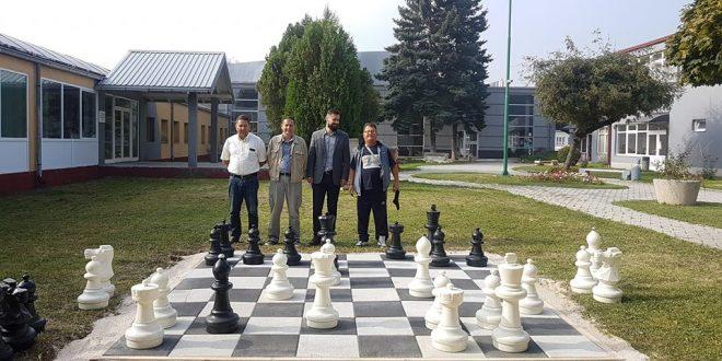 Novo u parku Doma kulture: Vanjski (vrtni) šah