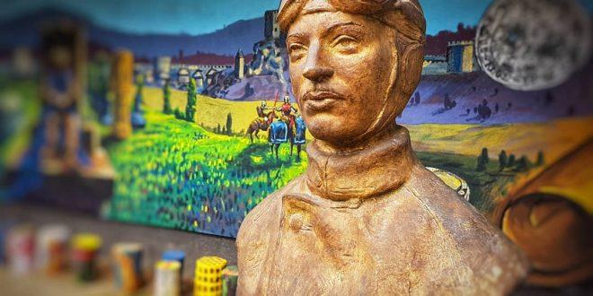 U dvorištu Muzeja Kaknja postavljena bista legendarnog partizanskog avijatičara i narodnog heroja Rudolfa Rudija Čajaveca