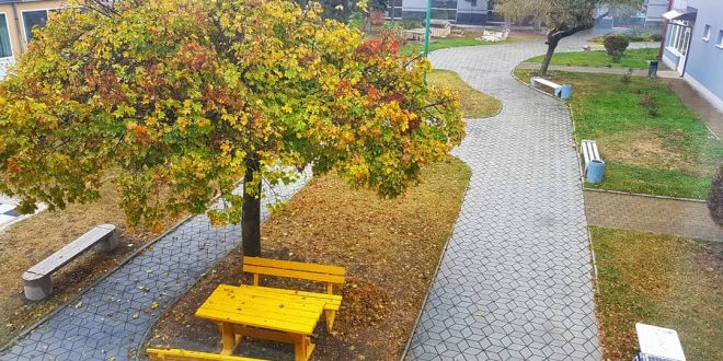 Foto: Jesen u parku Doma kulture u Kaknju