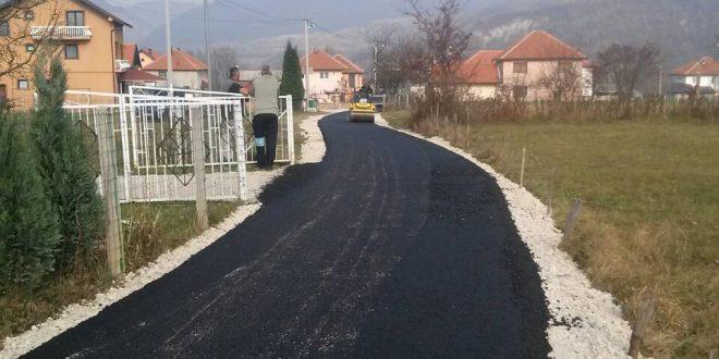 Počeli radovi na asfaltiranju ceste Rošćevina-Vinogradi u Mjesnoj zajednici Dumanac
