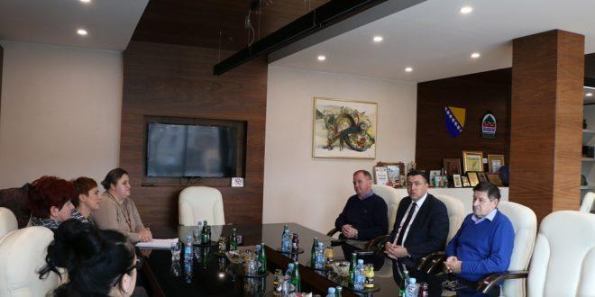 Ured načelnika: Sastanak s predstavnicama Udruženja djece i mladih oboljelih od šećerne bolesti u ZDK