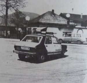 Vozilo-Stanice-javne-bezbjednosti-Kakanj-fotografija-iz-ratnog-perioda